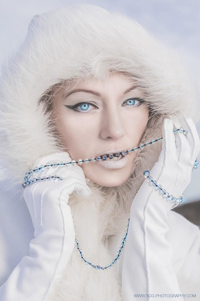 SNOW FASHION 1
